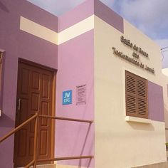 Kingdom Hall on Boa Vista Island in Cape Verde. There are 15 publishers and 2 special pioneers. Photo shared by @weustenbaby by jw_witnesses