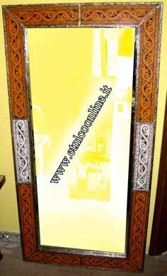 Specchio marocchino (Decorazione pareti, Specchi Marocco) di Artigianato Vulcano, eCommerce specializzato nella vendita di articoli etnici, marocchini e orientali.