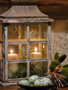Nice 88 Amazing Christmas Lantern Ideas for Indoor Decoration. More at http://88homedecor.com/2017/12/24/88-amazing-christmas-lantern-ideas-indoor-decoration/