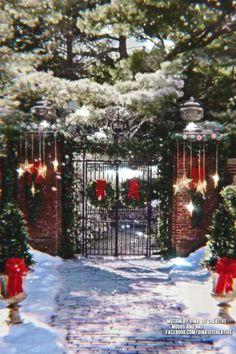 Winter Christmas Scenes, Merry Christmas Gif, Merry Christmas Pictures, Christmas Scenery, Vintage Christmas Images, Christmas Mood, Merry Christmas And Happy New Year, Christmas Music, Christmas Wishes