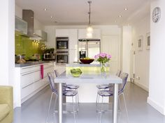 Love the drawers on the left wall...and my dining area is narrow like this one...