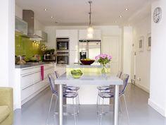 La cocina de Alex Coomer en http://www.achica.es/achicaliving/2012/05/casas-de-lujo/#