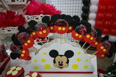 Piruliteiro Mickey em EVA.