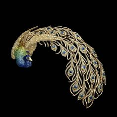Corsage brooch or aigrette. Gold, diamonds and enamel. Mellerio dits Meller, Paris, circa 1905. Formerly owned by Anita Delgado Briones. © The Al Thani Collection. Photo: Prudence Cuming Associates Ltd.