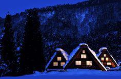 冬の目玉!世界遺産「白川郷」雪のライトアップ宿泊付見学ツアー|地元民が案内する飛騨高山観光 きらくにあんきに回るさぁ~ 飛騨高山