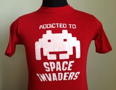 80s Vintage Addicted to Space Invaders 1981 video game T-Shirt