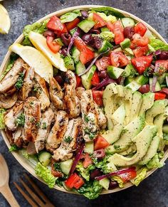 LEMON HERB MEDITERRANEAN CHICKEN SALAD Made by @cafedelites Grilled Lemon Herb Mediterranean Chicken Salad that is full of Mediterranean flavours with a dressing that doubles as a marinade! WEIGHT WATCHERS SMART POINT: 15 per serve Author: Karina  Cafe Delites Serves: 4 INGREDIENTS Marinade/Dressing: 2 tablespoons olive oil juice of 1 lemon (1/4 cup fresh squeezed lemon juice) 2 tablespoons water 2 tablespoons red wine vinegar 2 tablespoons fresh chopped parsley 2 teaspoons dried basil 2…