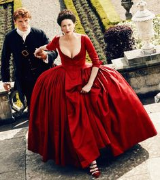 OUTLANDER season 4 is almost here with the show's stars Caitriona Balfe and Sam Heughan returning as Claire and Jamie Fraser. But where is the new series filmed? Diana Gabaldon Outlander, Claire Outlander, Outlander Serie, Outlander Season 2, Outlander 2016, Watch Outlander, Outlander News, Outlander Wedding, Jamie Fraser