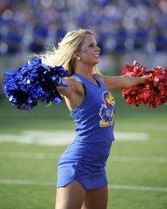 t's pretty simple. Each day we bring our fans a look at cheerleaders from around the country. Up today, the lady Jayhawks of Kansas. Hottest Nfl Cheerleaders, Football Cheerleaders, Football Gear, College Football, Cheerleading Photos, College Cheerleading, Cheerleading Uniforms, Professional Cheerleaders, Ice Girls