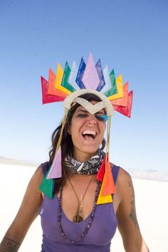 Romina Linderman, a Brazilian social entreprenuer, at Burning Man Photo: Sidney Erthal / Burning Man Burning Man Fashion, Burning Man Outfits, Burning Man Art, Mens Fashion 2018, Festival Accessories, Mardi Gras Party, College Outfits, College Casual, Forever