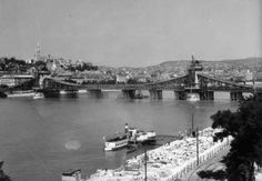 Recontruction of the Chain Bridge after  demolished in WW2. 1948.