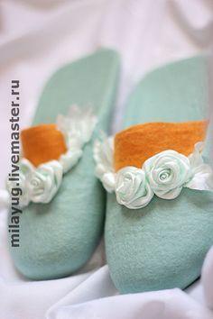 """Felted Slippers Обувь ручной работы. Ярмарка Мастеров - ручная работа """"Воскресное утро"""" валяные тапочки. Handmade."""