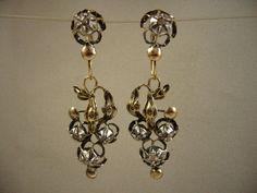 Online veilinghuis Catawiki: Zeer antieke oorbellen van 14 kt goud, zilver en natuurlijke diamanten.
