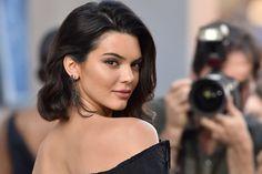 Kylie Kardashian, Kendall Jenner, Jenner Sisters, Teen Vogue, Brunette Hair, Celebs, Celebrities, Yeezy Boost, How To Look Pretty