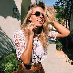╰☆╮Boho chic bohemian boho style hippy hippie chic bohème vibe gypsy fashion indie folk the . Blue Eyes Make Up, Nude Make Up, Tash Oakley, Estilo Boho, The Bikini, Coachella, Passion For Fashion, Boho Chic, Hippie Chic