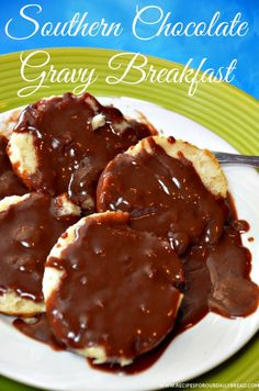 Have you ever had Chocolate Gravy and Biscuits for Breakfast? If not you will want to want my Chocolate Gravy & Biscuit Breakfast-Video Brunch Recipes, Breakfast Recipes, Dessert Recipes, Desserts, Brunch Ideas, Dinner Recipes, Brunch Dishes, Breakfast Dishes, Dinner Ideas