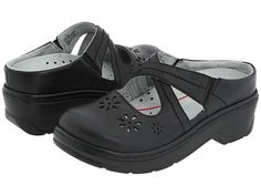 """Kirsten Borrink recommends Klogs USA Carolina for bunions in her article, """"5 Best Non-Orthopedic Shoes for Bunions"""" at http://www.barkingdogshoes.com/newshoe/2010/12/best-non-orthopedic-shoes-for-bunions-2010.html  #bunions #comfortableshoes"""