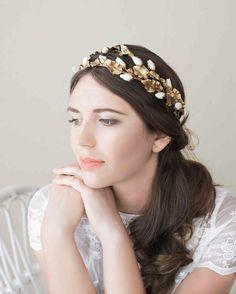 """Roses buds golden headpiece @lena_rom_ #limitededition #handmade #hairaccessories #headpiece #couture #bridalinspiration #bride #invitada #novia #tocados…"""