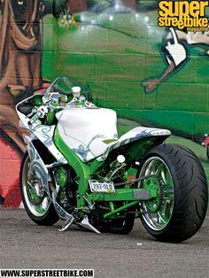 Love the lines on this one Custom Street Bikes, Custom Sport Bikes, Custom Motorcycles, Yamaha R1 2008, Motorcycle Gear, Motorcycle Design, Chopper Bike, Bike Photo, Hot Bikes