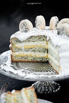 Tort Piegusek...freckled cake with lemon flavor. Classic white sponge cake with poppy seeds addition, a lot of lemon and curd cream...