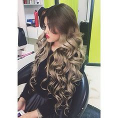 Wow, her hair is amazing! I love the idea of a silvery ombre shade. ♡