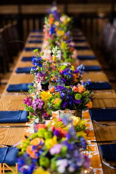 Jewel toned wedding reception tablescape - on trend for 2016 Beautiful table setting via Breckenridge Resort Blue Table Settings, Beautiful Table Settings, Wedding Table Settings, Setting Table, Elegant Table Settings, Place Settings, Breckenridge Resort, Wedding Centerpieces, Wedding Decorations