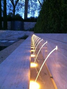 Great water feature and light effect