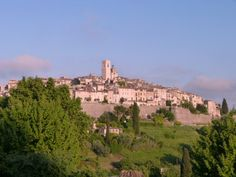 """Visiting the medieval hill village of St Paul de Vence.   Susi Tavernor repinned from Rannveig Nordhagen's board.""""Vence,Nice"""".   We took a delightful mid-day walk through St Paul!"""
