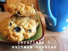Ingredients 125g butter 2/3 cup caster sugar 1 tsp vanilla essence 1 1/4 cups self-raising flour 1 tbs milk 1 1/2 cups cornflakes 1/2 cup sultanas