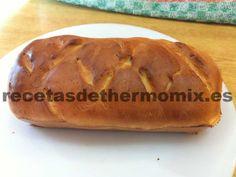 El pan de leche en un pan dulce y tierno, que combina muy bien, tanto con dulce como salado y es ideal para desayunos y meriendas. Es una receta sencilla y rápida de elaborar, ya que en menos de media hora tenemos un estupendo pan de leche con thermomix.