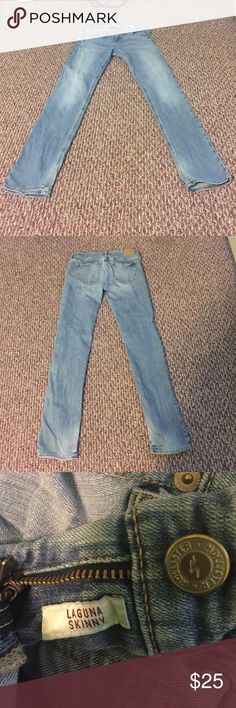 Hollister SoCal Stretch Jeans 👖✨ Wonderful condition; worn several times! Size: W:26 - L:31 Hollister Jeans Skinny