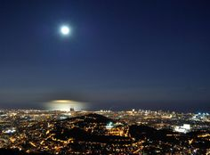 Preciosa nit de lluna plena a Barcelona (Catalunya - Catalonia)