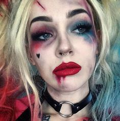 Einfaches Halloween-Make-up - Harley Quinn, Suicide Squad-CosmopolitanUK Makeup - makeup products - Halloween Makeup Looks, Easy Halloween, Halloween Season, Creepy Halloween Costumes, Pretty Halloween, Halloween 2016, Halloween Inspo, Halloween Makeup Pirate, Harley Quinn Halloween Costume