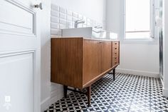 ROYAL ROULOTTE -★- LEVALLOIS - FRANCE - RENOVATION APPARTEMENT - CEMENT TILES - BATHROOM - SALLE DE BAIN