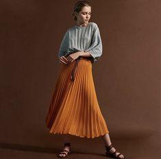 Fashion Shoot, Minimalist Fashion, Midi Skirt, Skirts, Ideas, Midi Skirts, Skirt, Thoughts