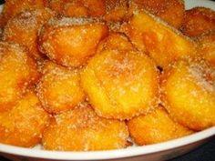 Sonhos de Abóbora Amarela Sweet Recipes, Snack Recipes, Dessert Recipes, Cooking Recipes, Portuguese Desserts, Portuguese Recipes, Portuguese Food, Baking Basics, Good Food