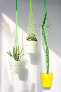 What an amazing way to up-cycle packaging to suspend your pots mid-air! Notre sélection Urban Jungle Bloggers