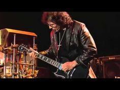 BLACK SABBATH Biografía, fotos y vídeos de Black Sabbath. Black Sabbath es considerada una de las bandas de heavy metal más influyentes de todos los tiempos. http://www.malditoinsolente.com/musica/lo-mejor-del-rock/4386-black-sabbath