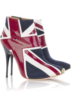 ALEXANDER MCQUEEN  Union Jack ankle boots  $1,260  Editor's notes  Details    Patriotic and very rock 'n' roll, wear these boots to give your look a modern punk vibe. Team them with a full skirt for a fun and flirtatious evening look. Shown here with a Bijoux Heart necklace, a Jimmy Choo bag and a Marc by Marc Jacobs dress.  Product code: 33961