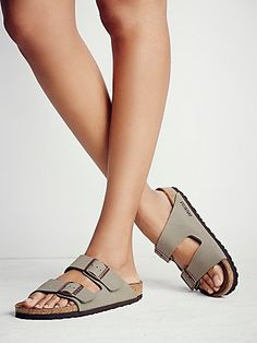 Dress up your feet with Free People's beautiful sandals. Pick a pair of Birkenstock, beach shoes or fringe sandals that is stylish and super comfortable. Fringe Sandals, Leather Sandals, Cute Shoes, Me Too Shoes, Birkenstock Outfit, Birkenstock Arizona, Beautiful Sandals, Fashionable Snow Boots, Slippers