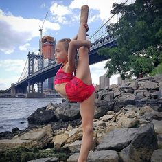 Why stick to a studio...when you can dance anywhere? Thank you @joandjax for the perfect outfit! 🤗 #lillyk #littlebutfierce #brooklyn #needle flexible #JJGirl #jjsquad #dancemodel #lovemylife #danceanywhere