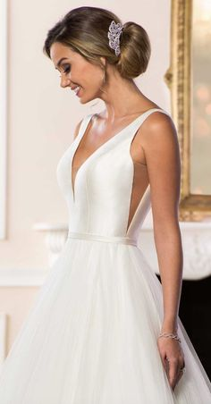 Courtesy of Stella York Wedding Dress Collection from Essense of Australia; Wedd… Courtesy of Stella York Wedding Dress Collection from Essense of Australia; Classic Wedding Dress, Dream Wedding Dresses, Bridal Dresses, Wedding Gowns, Lace Wedding, Stella York, Debutante Dresses, Dress Collection, Bridal Collection