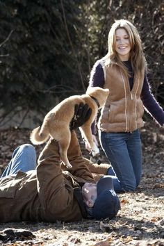 Richard Gere and Sarah Roemer in Hachi: A Dog's Tale
