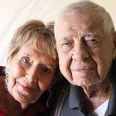 This 95-year-old bride and 98-year-old groom just become the world's oldest newlyweds!