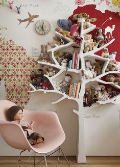 Decoração de: Detalhes - estante de árvore; Casa de Valentina