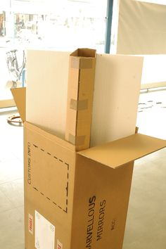 Quantun Box: The internal structure is placed inside the box. Within this small confined box space is where we place your mirror and fill it with strong foam particles which cushion and support it while the box and mirrors are on their way to you.
