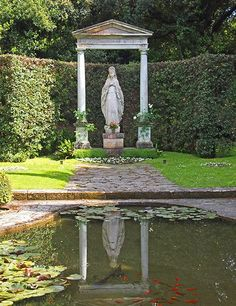 On their visits to Castel Gandolfo, popes John Paul II and Benedict XVI would often pause in the Giardino della Madonna, in front of a statue of the Virgin Mary.