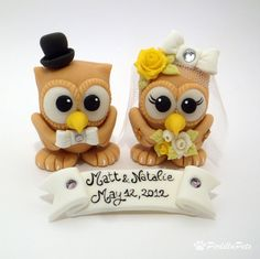 I am obsessed with these owl wedding cake toppers, to bad i didnt know about these way back in the day i got married!! @Megan Everhart