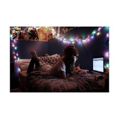 hipster bedroom, wish I had the patience to make my room look as cool as this!