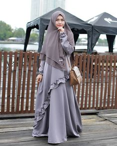 Image may contain: 1 person, standing and outdoor Moslem Fashion, Niqab Fashion, Modern Hijab Fashion, Muslim Women Fashion, Hijab Gown, Hijab Style Dress, Hijab Chic, Muslimah Wedding Dress, Hijab Wedding Dresses